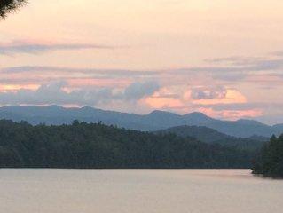 Best Location On Lake! Fantastic Views On Quiet Lake Santeetlah In Smokey Mtns