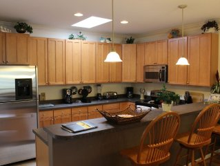 Beautiful  Family Friendly Townhouse at Bayville Shore