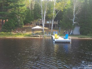 Family Friendly Cottage on a Small Quiet Lake Minutes From Huntsville.