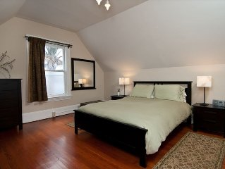 Gorgeous Upper Flat in Historic Berkeley Queen Anne Duplex