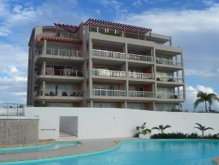 Tropical Retreat with Great Views and Nightlife in St. Maarten