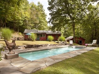 Idyllic & Romantic Woodstock private Country Home with Saline pool