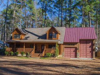 Log Home located on Clark Hill/Strom Thurmond Lake with Dock. Pet Friendly