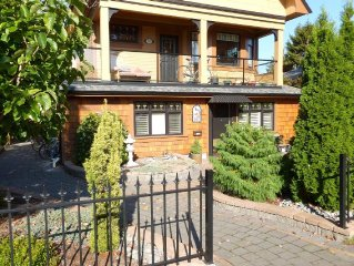 Fully renovated ground floor suite close to ocean and downtown Victoria!