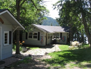 Spirit Lake LAKEFRONT Cabin - Late August 2019 Dates Still Available!
