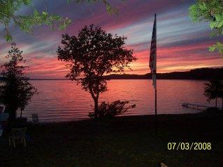 Family Cottage On Beautiful Crystal Lake