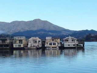 Amazing Floating Home! Modern, Elegant, Fun!