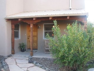 Spaciuos 2 Bedroom  Quiet in-Town Condo with Hot Tub
