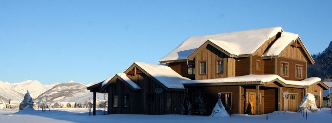Welcome to Larkspur Lodge!