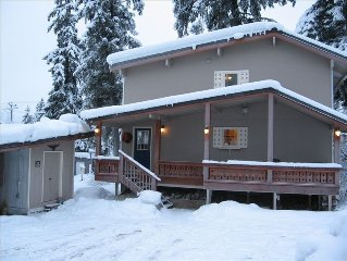 Spacious 4 Bdr Walk to Ski Lifts Sunny Exposure Large Deck