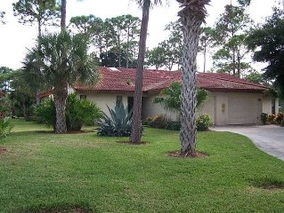 Vacation Retreat Villa with  Heated Pool, Jacuzzi, Tennis/!Close to Beaches, Gol