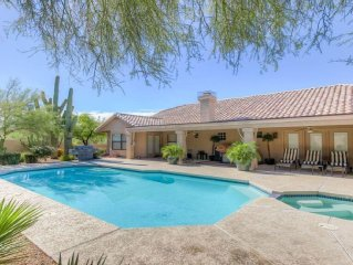 ��Designer Decorated with Large Saltwater Pool/Spa��Spacious Lovingly Appoin
