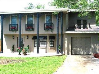 Fleur De Lis - New Orleans Style Pool Home