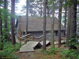 Thompson Lake - Waterfront log style home sleeps 6+