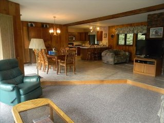 Wildernest Chalet, Indianhead Ski Hill,Toboggan Run,Jacuzzi Snowmobile