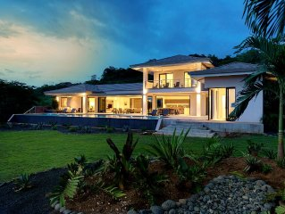 NEW Modern Luxury Private Villa With Amazing Ocean View and Huge Infinity Pool!