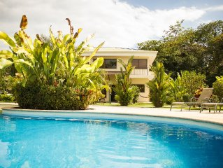 Villa Bella, The Charming Vacation Home With Pristine Pool, Bbq In A Lush Garden
