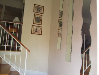 Gorgeous big Townhouse BARGAIN 9 min to Lincoln Memorial-Two full, 2 half baths