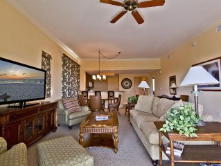 NAPLES BAY RESORT.  First Class 3 bedroom! Walk to downtown Naples