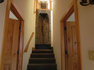 Large, Squaw Valley multi-level Home, Breathtaking Mountain Views, Spa/Sauna