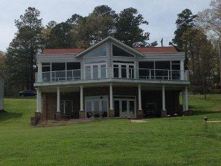 Lake Escape - Lakefront, Family-Friendly Retreat