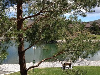 Lovely Condo on Duck Pond close to Convention Center