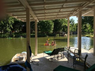 COVE Waterfront Lake LBJ  Lola Bug's Lake House & COVERED BOAT DOCK Pet Friendly