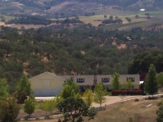Gorgeous Wine Country Estate - 4 Bedrooms, 3 Baths, Sleeps 8 (plus up to 8 kids)