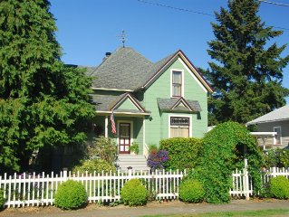 Comfortable Elegance in the Heart of Downtown Newberg