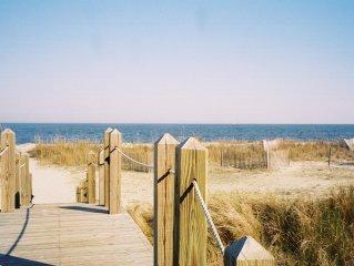 Ocean Front Villa . Enjoy Beach, Pool, Golf & Tennis!!! on Daufuskie Island SC