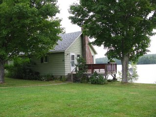 Lakefront getaway with panaromic views of Damariscotta Lake inside and out!