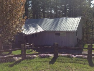 2 Bedroom, 1 Bath house, located 5 Miles from Cashiers in Norton Community