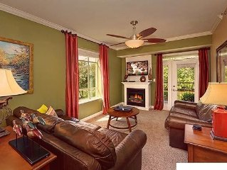3 BR Riverfront Luxury Condo/Perfect Location/near Tanger/2 BR also vrbo#859465