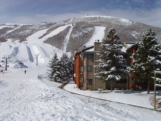 Ski-~In~/Ski-Out on the Slopes Luxury Park City Mountain Condo