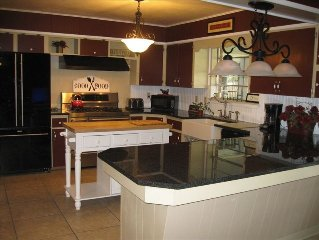 3400 Ft of Affordable Luxury! Executive, Family & Pet Friendly