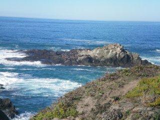 BAY DREAM Oceanfront Luxury, 5 Bedroom, Beach, VIEWS, SPA, Near Mendo Village