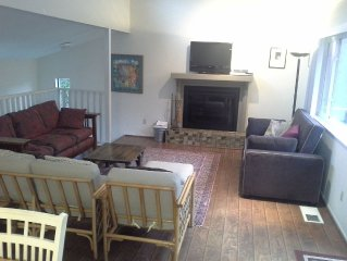 Beautiful, open space house , includes all amenities, 5 min walk to the beach