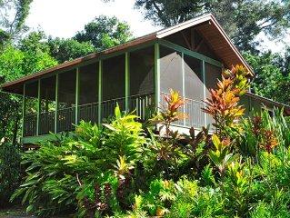 Romantic One Bedroom Tropical Hideaway, Halawa House