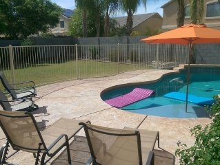Private Pool, 5 bedrooms, 4 Baths, well stocked and ready for your Vacation