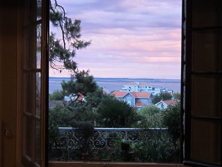 Spacious Condo/apartment With View Of Arcachon Bay