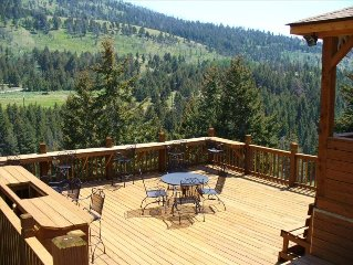 Secluded Cabin in Mountains Overlooking Yellowstone! JACUZZI WITH GREAT VIEWS !