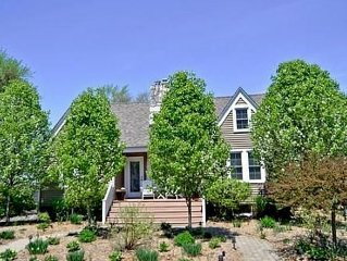 Luxurious, Private 4BR Cottage Near Downtown Three Oaks and Beaches