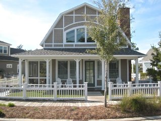 BEST RATES! Pristine Cottage...Steps Away From Beach & Pools with Golf Cart