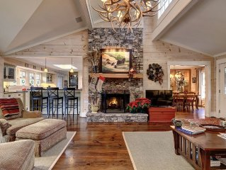 Comfortable Elegance with Mountain View: 5BR, 4BA  5 min. from Highlands,NC