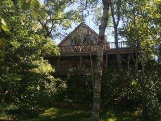 Wonderful Lake Lodge on Beautiful Huron Lake - with Free WIFI