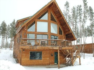 'The Grand Retreat' Exquisite Multi-Family Cabin