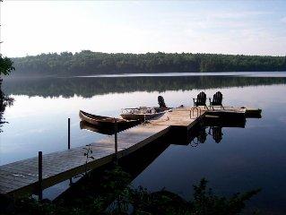 Lakefront Cottage on prestine Upper Range with Large Dock 2 Kayaks & Canoe.