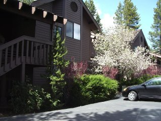 NEW YEAR SALE - SUNRIVER CONDO AT THE RIDGE - PERFECT FOR SKIING - SLEEPS 6