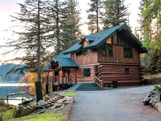 Custom Hayden Lake Log Home -Private Dock  (Now available Aug 5-12)
