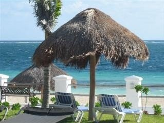 Affordable Beachfront  Paradise!     2 Bedrooms, holiday rental in Puerto Morelos
